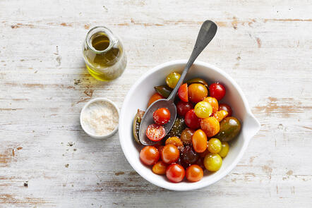 Produce_LR_Mixamato_Medley Tomatoes Oil And Salt_Janelle Bloom_2019_13